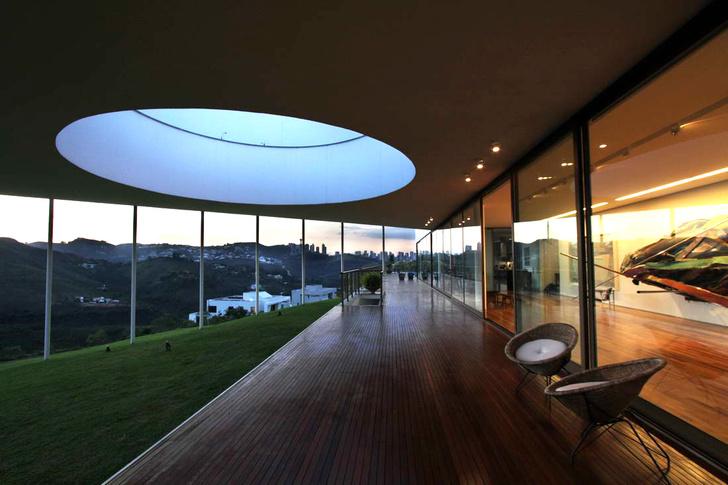 Дом-галерея в Бразилии