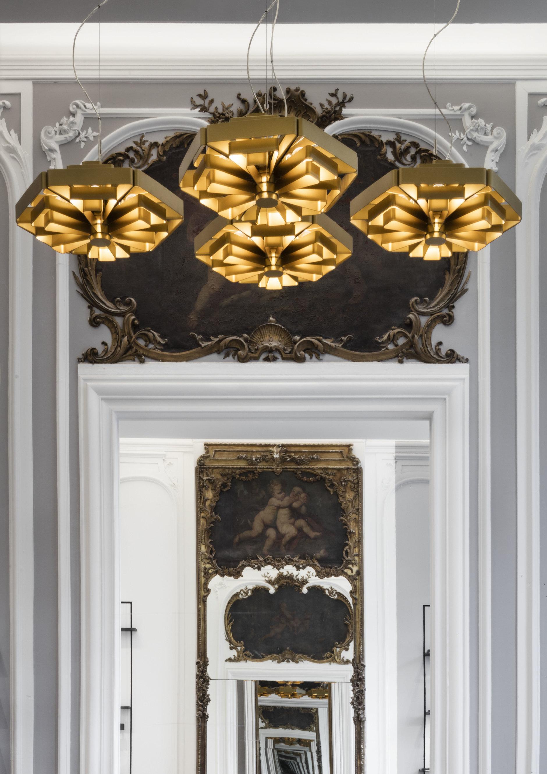 Бутик Delvaux в Брюсселе: современный дизайн в историческом здании (галерея 2, фото 5)