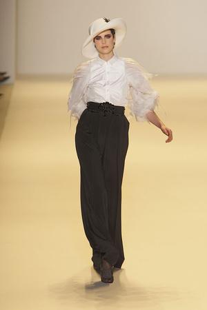 Показы мод Carolina Herrera Осень-зима 2010-2011 | Подиум на ELLE - Подиум - фото 2846