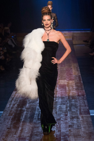 Показ Jean Paul Gaultier коллекции сезона Осень-зима 2016-2017 года Haute couture - www.elle.ru - Подиум - фото 607278