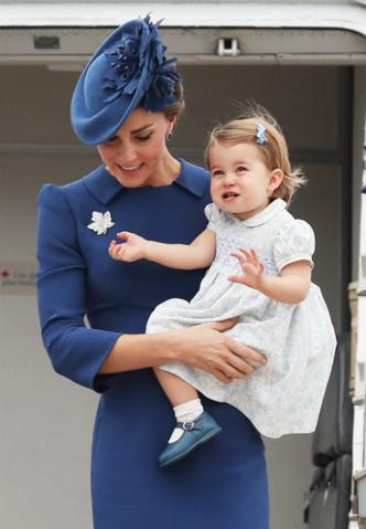 Кейт Миддлтон и принцесса Шарлотта в Канаде
