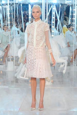 Показ Louis Vuitton коллекции сезона Весна-лето 2012 года Prêt-à-porter - www.elle.ru - Подиум - фото 313732