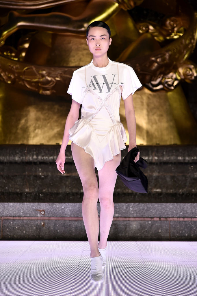 Юбки и шорты «от бедра» Alexander Wang, которые свели с ума всех моделей (фото 6)