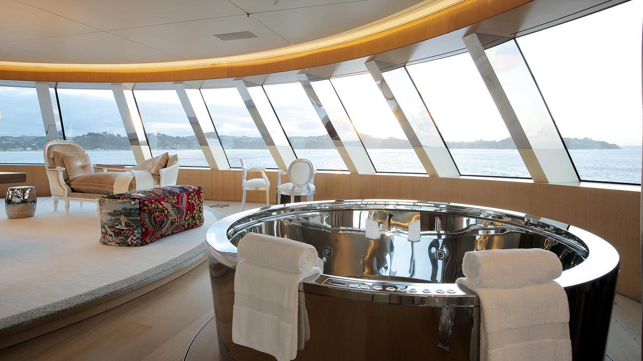 Морская прогулка: парусники и яхты от известных дизайнеров | галерея [3] фото [4]