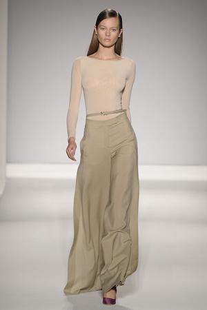 Показы мод Max Mara Весна-лето 2011 | Подиум на ELLE - Подиум - фото 2544