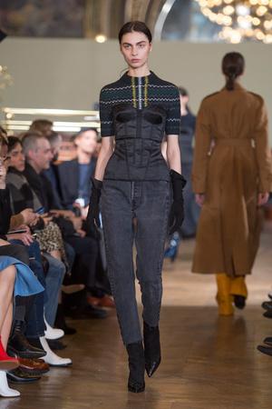 Показы мод Olivier Theyskens Осень-зима 2017-2018 | Подиум на ELLE - Подиум - фото 4885