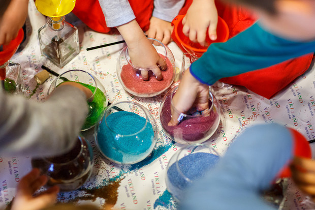 Сенсорное развитие: занятия с кинетическим песком