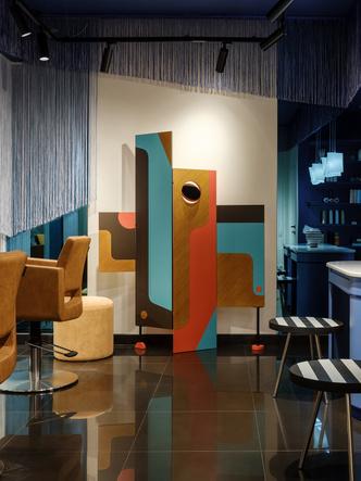 Салон красоты в стиле 60-х (фото 2)