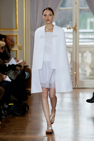 Показ Christophe Josse коллекции сезона Весна-лето 2013 года Haute couture - www.elle.ru - Подиум - фото 477031
