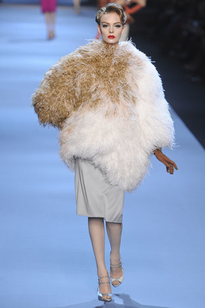 Показ Christian Dior коллекции сезона Весна-лето 2011 года haute couture - www.elle.ru - Подиум - фото 214938