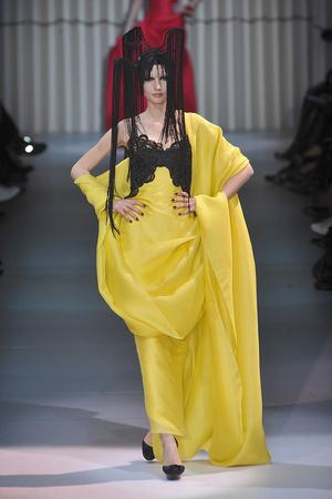 Показ Giorgio Armani Privé коллекции сезона Весна-лето 2009 года haute couture - www.elle.ru - Подиум - фото 86757