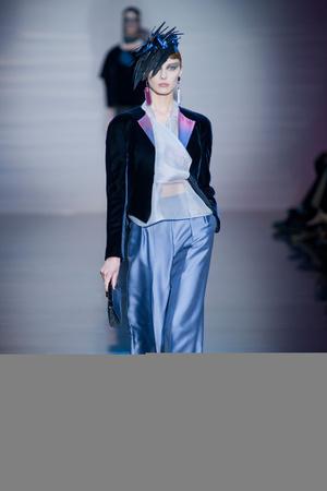Показ Giorgio Armani Privé коллекции сезона Осень-зима 2012-2013 года haute couture - www.elle.ru - Подиум - фото 404187
