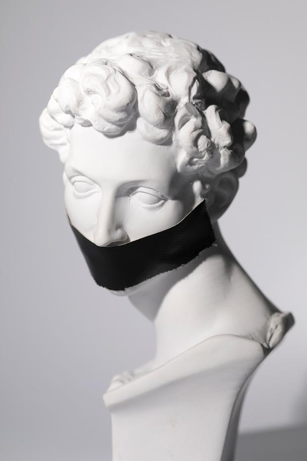 Эстетическое тейпирование: зачем вам клеить ленты на лицо (фото 1)