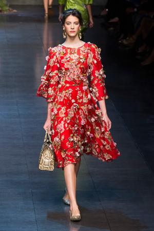 Показ Dolce & Gabbana коллекции сезона Весна-лето 2014 года prêt-à-porter - www.elle.ru - Подиум - фото 566253