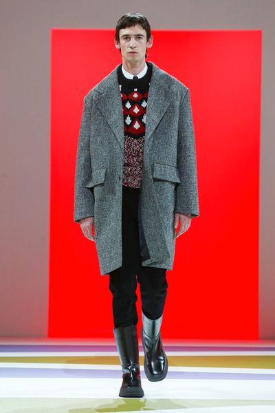 Урок геометрии: Prada Men's Fall 2020 (галерея 9, фото 1)