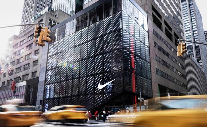 Флагманский бутик Nike в Нью-Йорке (фото 0)