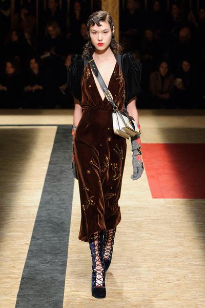 Самые красивые образы Недели моды в Милане   галерея [1] фото [10]
