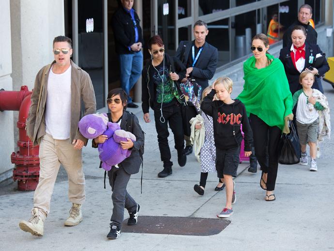 Анджелина Джоли и Брэд Питт с детьми фото