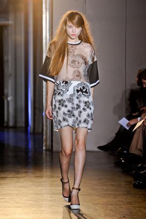 Показы мод Rue du Mail Весна-лето 2013 | Подиум на ELLE - Подиум - фото 1050