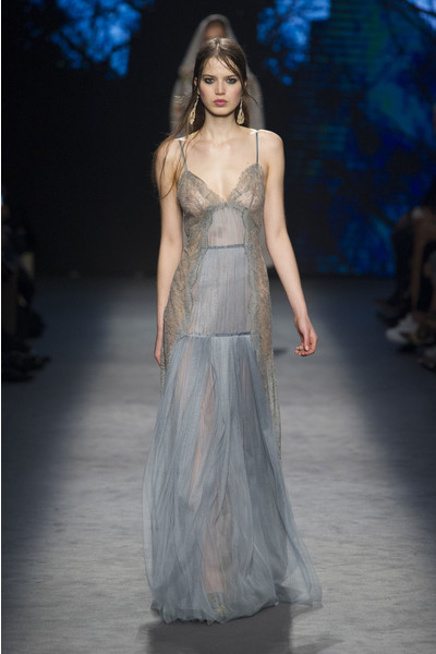 Самые красивые образы Недели моды в Милане   галерея [1] фото [25]