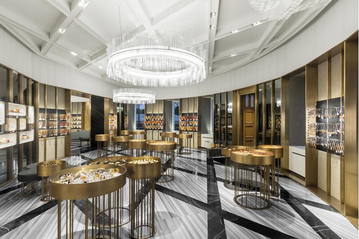 Открылся первый флагманский бутик Amber & Art в Санкт-Петербурге