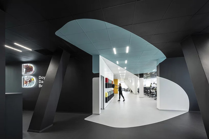 Офисное пространство с оптическими иллюзиями от B2 Architecture (фото 2)