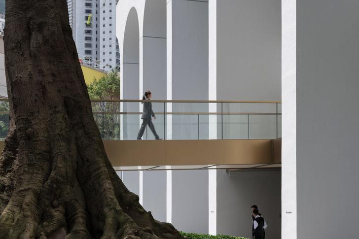 Завершилась реконструкция иконы модернизма Гонконга от Foster + Partners (фото 5)