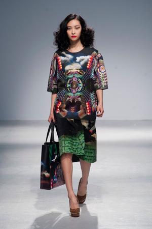 Показы мод Manish Arora Осень-зима 2013-2014 | Подиум на ELLE - Подиум - фото 649