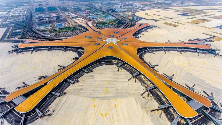 В Пекине открылся новый аэропорт по проекту Захи Хадид (фото 0)