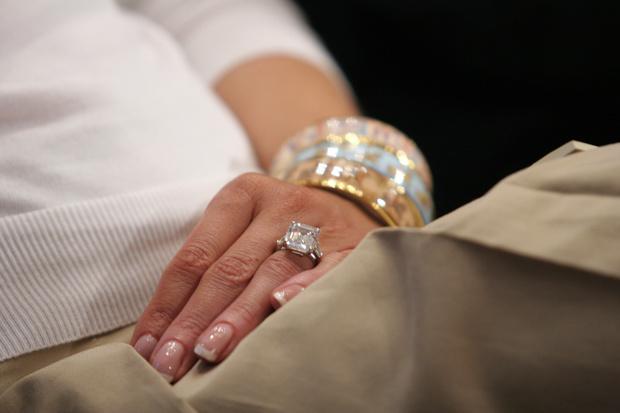 Дональд Трамп сообщил неверную стоимость кольца Мелании (фото 1)