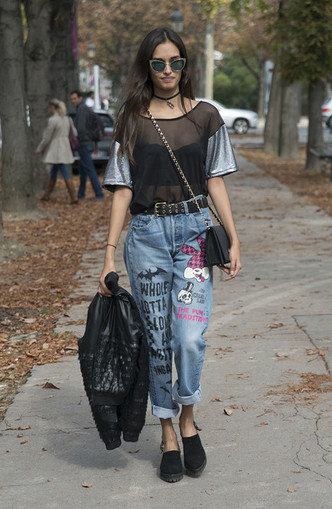 Back to 90s: 5 способов носить mom-джинсы (фото 32)