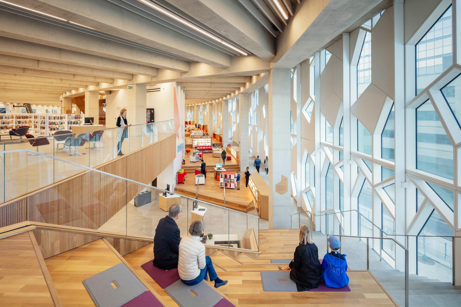 В Калгари открылась городская библиотека по проекту Snøhetta (галерея 10, фото 3)