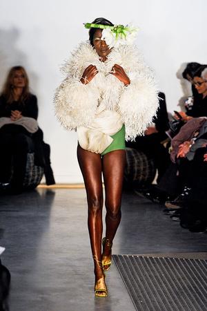 Показ Maurizio Galante коллекции сезона Весна-лето 2012 года Haute couture - www.elle.ru - Подиум - фото 330259