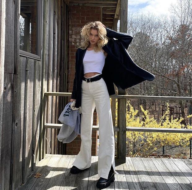 Укороченный топ + джинсы в стиле 90-х: новый образ Эльзы Хоск (фото 1)