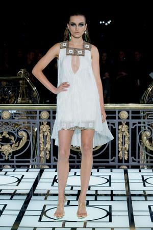 Показ Atelier Versace коллекции сезона Весна-лето 2013 года haute couture - www.elle.ru - Подиум - фото 476989