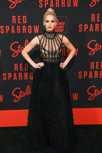 Дженнифер Лоуренс в платье Christian Dior на премьере в Нью-Йорке (фото 1.1)