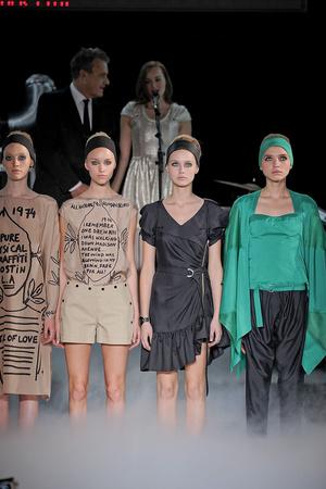 Показы мод Jean-Charles de Castelbajac Весна-лето 2012 | Подиум на ELLE - Подиум - фото 1787