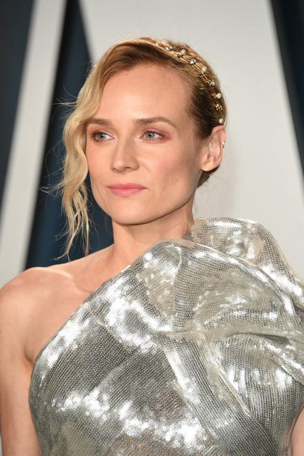 Не потерять бы в серебре: Диана Крюгер на афтепати «Оскара» (фото 1)