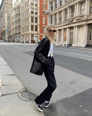 Как выглядят самые модные брюки будущего сезона? Показывает Эльза Хоск (фото 0.1)