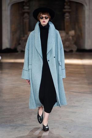 Показы мод Creatures of Comfort Осень-зима 2014-2015 | Подиум на ELLE - Подиум - фото 3804