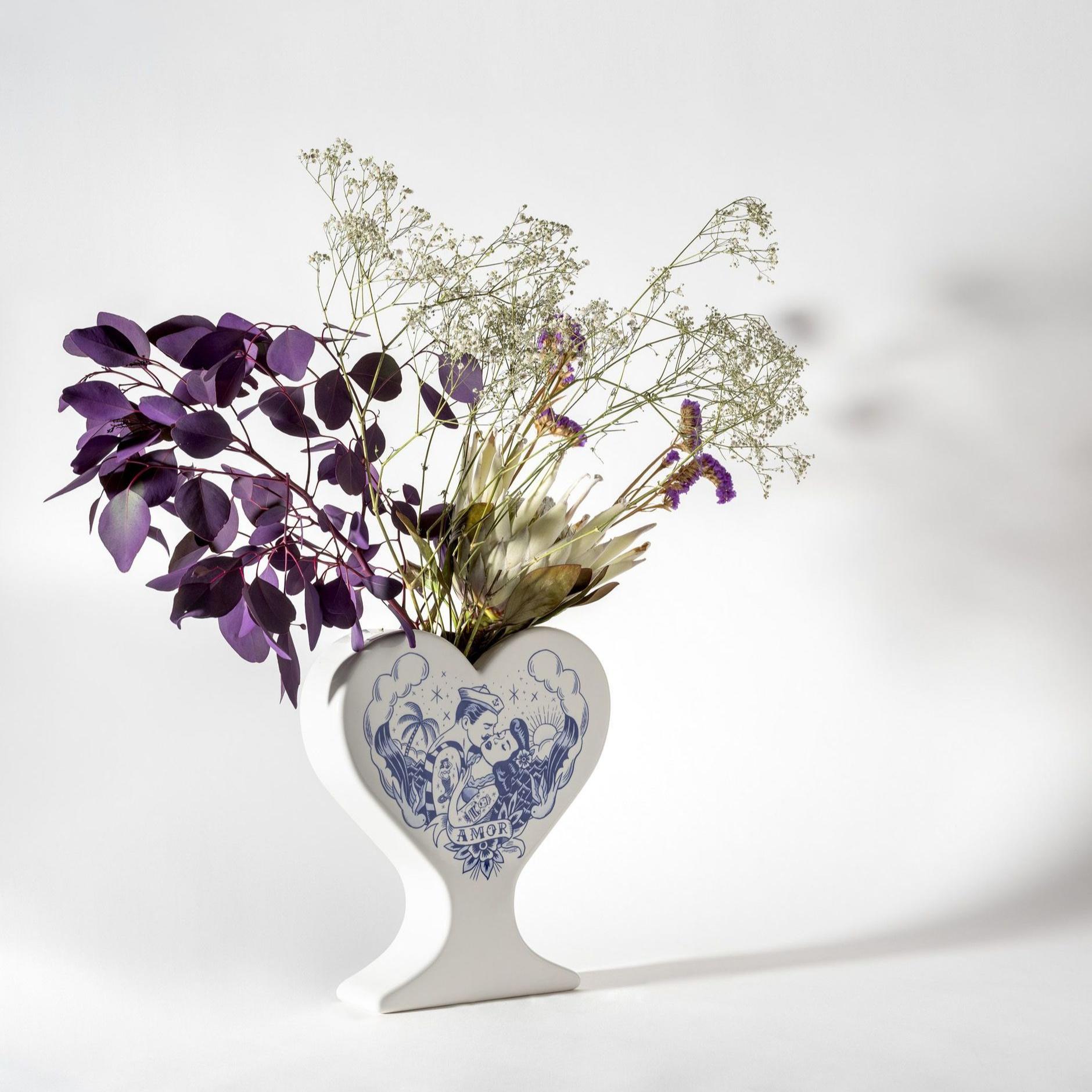 15 ваз в форме сердца: выставка в Мадриде (галерея 6, фото 3)