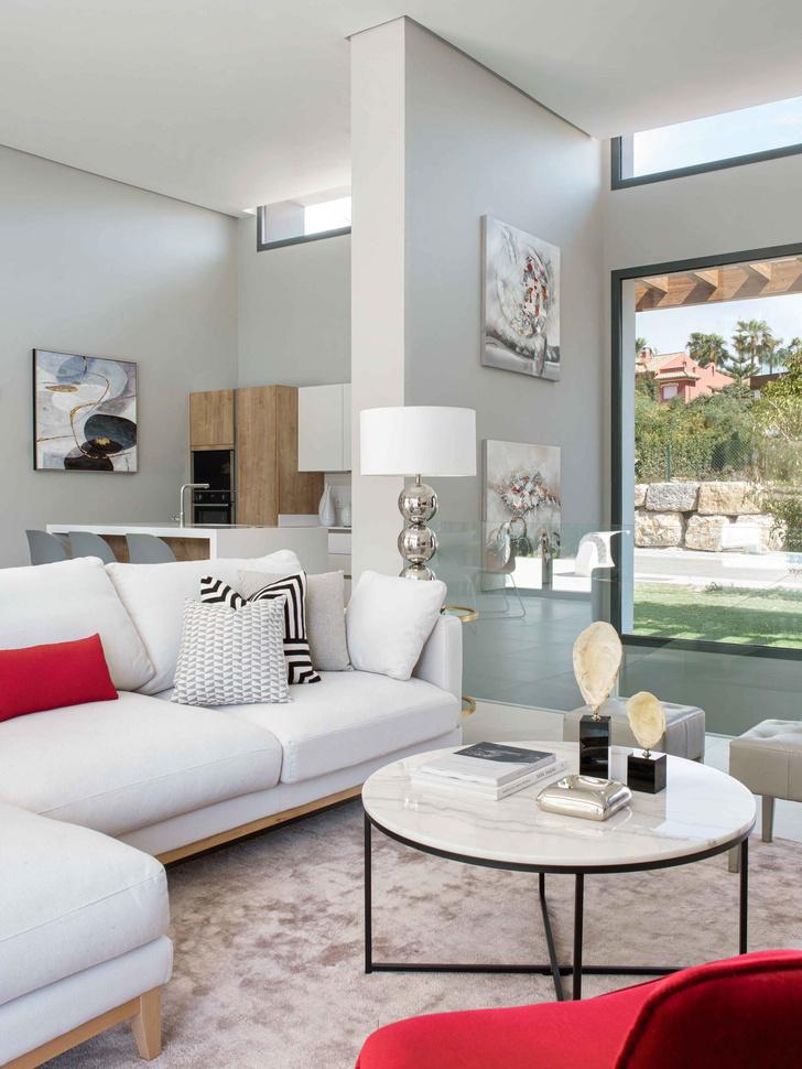 Дом с панорамными окнами в Испании 240 м² (фото 8)