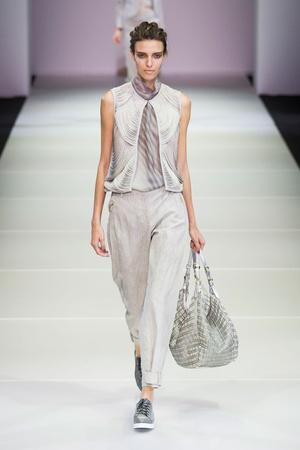 Показы мод Giorgio Armani Весна-лето 2015 | Подиум на ELLE - Подиум - фото 4159