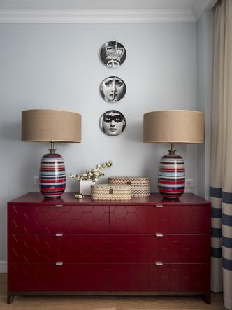 Дитя заката: фламинго и другие яркие  решения в типовой квартире 55 м² (фото 10.2)