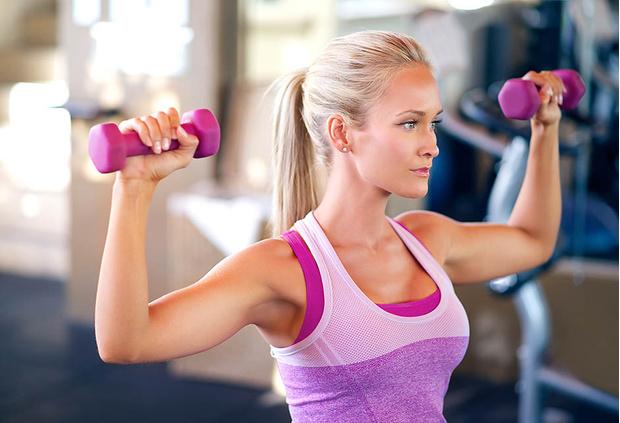 5 способов заставить вашу грудь выглядеть подтянутой