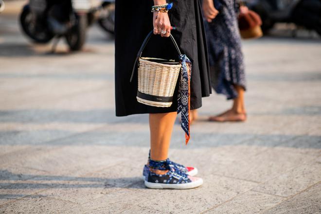 Сумка-ведро: история модного аксессуара (фото 1)