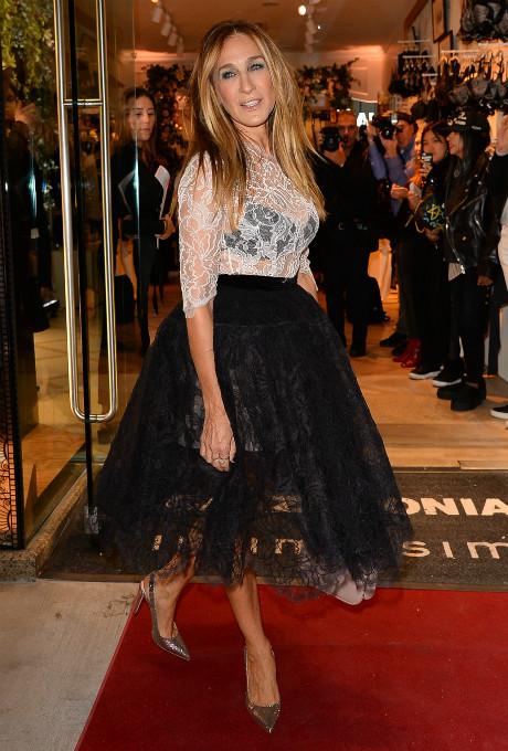 В стиле Кэрри Брэдшоу: Сара Джессика Паркер в платье Oscar de la Renta фото [1]
