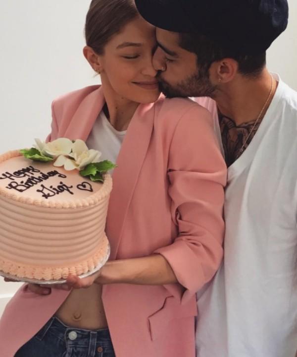 История любви Джиджи Хадид и Зейна Малика в фотографиях (фото 20)