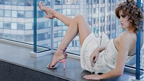 Карл Лагерфельд снял новую рекламную кампанию Fendi | галерея [1] фото [10]