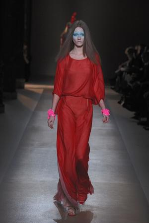 Показ Valentino коллекции сезона Весна-лето 2010 года Haute couture - www.elle.ru - Подиум - фото 139284